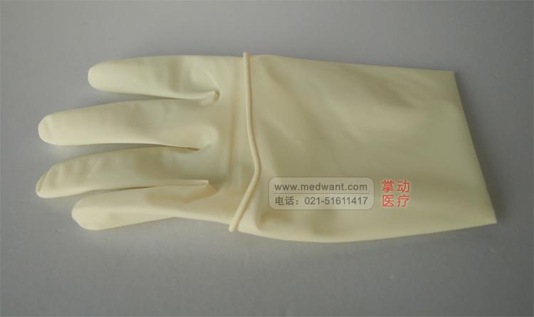 一次性使用灭菌橡胶外科手套 有粉光面 适用范围:用于医疗部门对患者施行手术时使用。 其他标识:本产品经过环氧乙烷灭菌,供一次使用。 一次性使用灭菌橡胶外科手套 使用说明: 1 使用前请详细阅读本使用说明,确认包装无损;确认产品尚在有效期内。 2 穿戴手套时,请勿佩戴戒指等手部饰品,并将指甲修剪平滑。 3 按手术消毒通用规范对手部清洁、消毒、干燥.