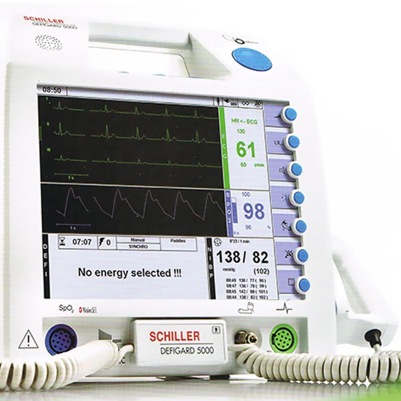 DG5000-A2:标配 (自动除颤不带体外起搏) 席勒除颤监护仪(Defigard 5000)由接受过设备操作培训的合格医务人员以及在基本生命支持、高级心脏支持和除颤方面培训的合格人员使用,用于终止患者的心动过速和心室颤动症状,可为患者进行半自动体外除颤、手动异步除颤、同步化心脏复律、无创体外起搏治疗,同时也可对患者进行ECG、脉搏血氧饱和度、无创血压监护。 瑞士席勒除颤监护仪Defigard 5000采用了高效的多脉冲双向波(Multipulse Biowave)以及高精密监护模块,并配以大屏幕彩色显